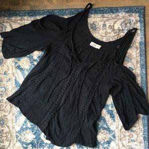 Medium: Hollister cold shoulder flowy top in black